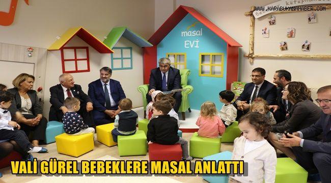 Vali Gürel, bebeklere masal anlattı