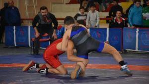 Analig Güreş Grup Müsabakaları Safranbolu'da Başladı