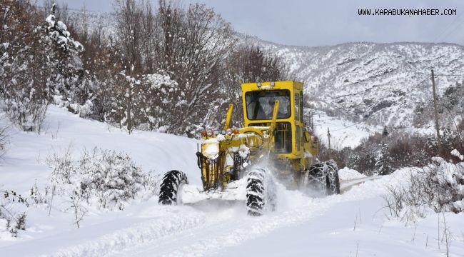 Karabük'te kapalı 97 köy yolundan 53'ü ulaşıma açıldı