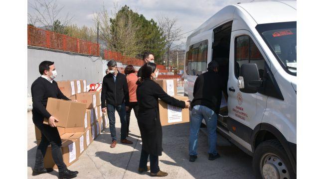 Gençlik ve Spor İl Müdürlüğü personellerinden ihtiyaç sahiplerine gıda yardımı