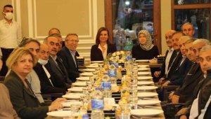 Muhtarlar mahallelerin sorunlarını Başkan Köse'ye iletti