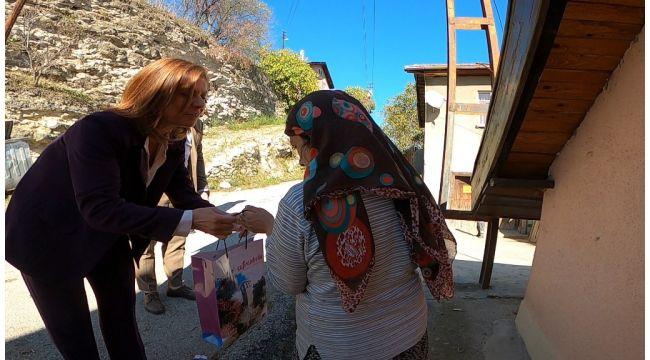 Safranbolu Belediyesi ihtiyaç sahibi ailelerinin çocuklarına süt imkanı sağlıyor